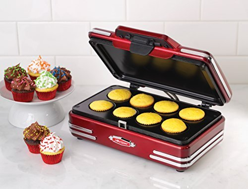Nostalgia-RCKM700-Retro-Series-50s-Style-Mini-Cupcake-Maker-by-Nostalgia-Electrics-0