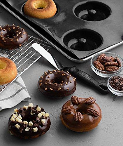 Sasa-Demarle-Professional-Silicone-FLEXIPAN-Donut-Pan-Mold-8-Cavity–35-Depth118-Mold-Size-122-x-173-fits-a-Half-Sheet-Pan-13×18-FP5587-0-1